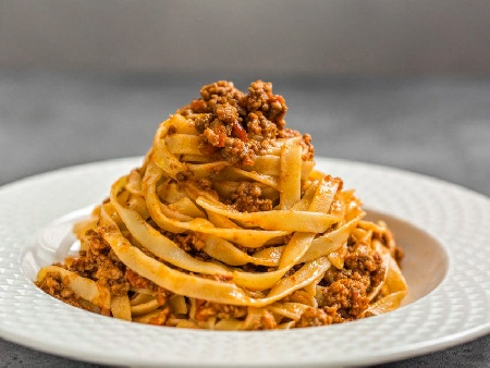 Класическа рецепта за талиатели Болонезе - снимка на рецептата
